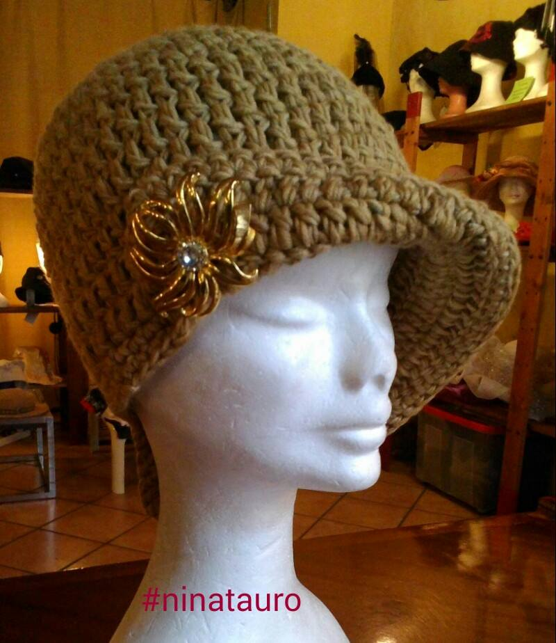 Cappello in lana naturale mod. Liberty
