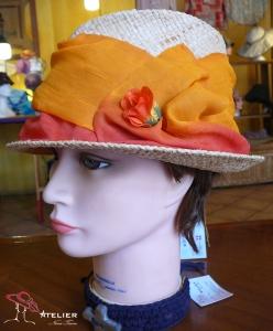 Cappello arancio