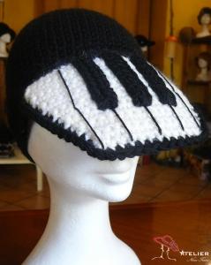 """Cappello visiera """" tastiera """""""